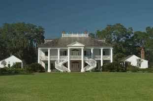 80 awesome plantation homes farmhouse design ideas (36)