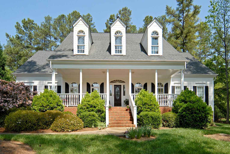 80 awesome plantation homes farmhouse design ideas (61)