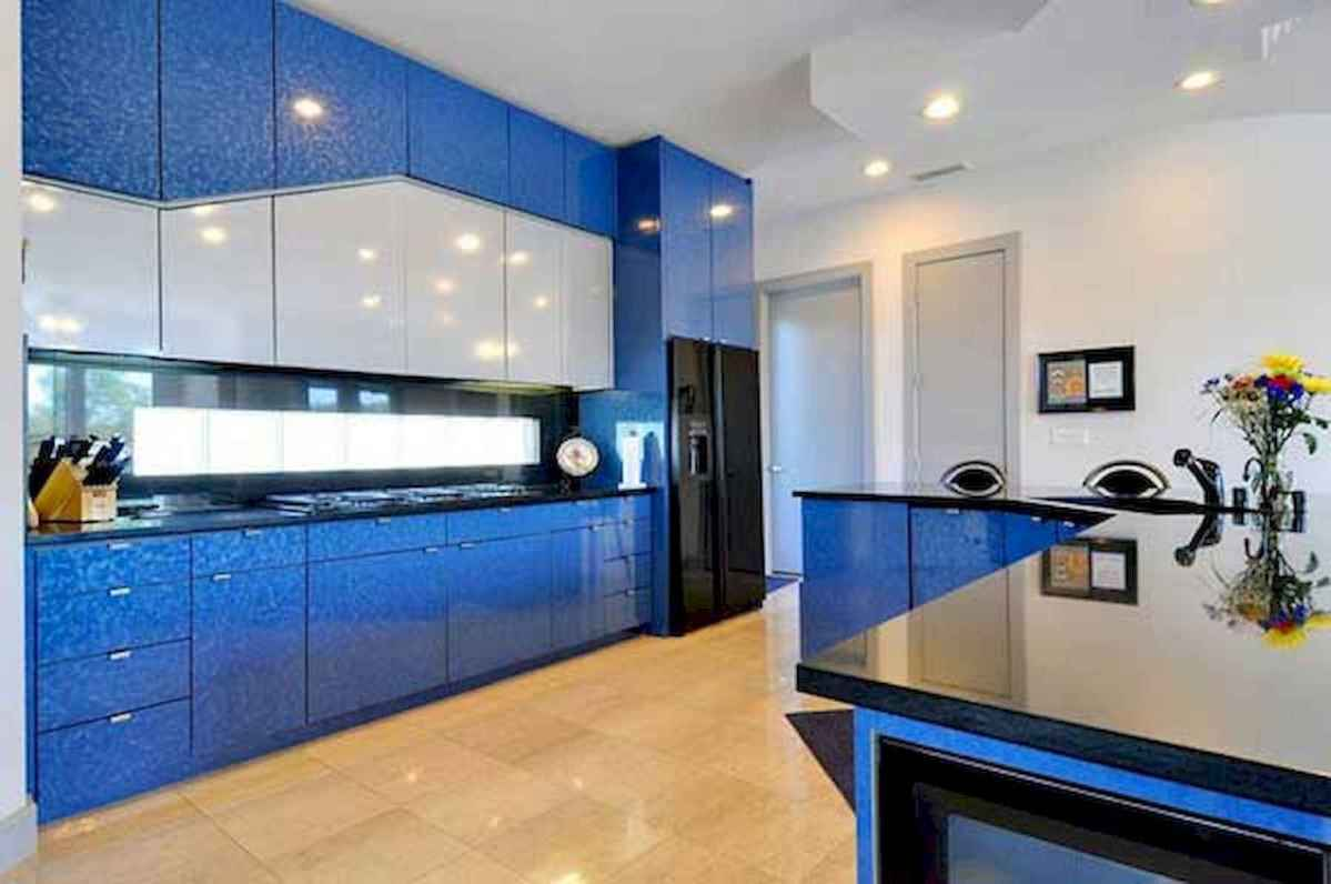 Best 40 colorful kitchen cabinet remodel ideas for first apartment (16)