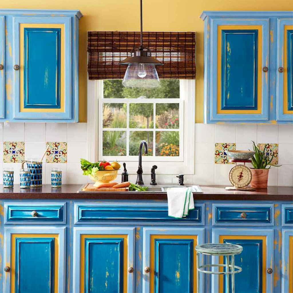 Best 40 colorful kitchen cabinet remodel ideas for first apartment (21)
