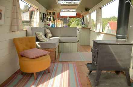 25 brilliant bus rv conversion decor ideas (5)