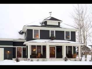35 handsome black house exterior decor ideas (14)