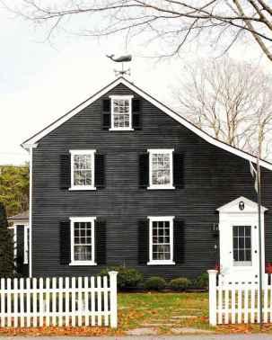 35 handsome black house exterior decor ideas (19)