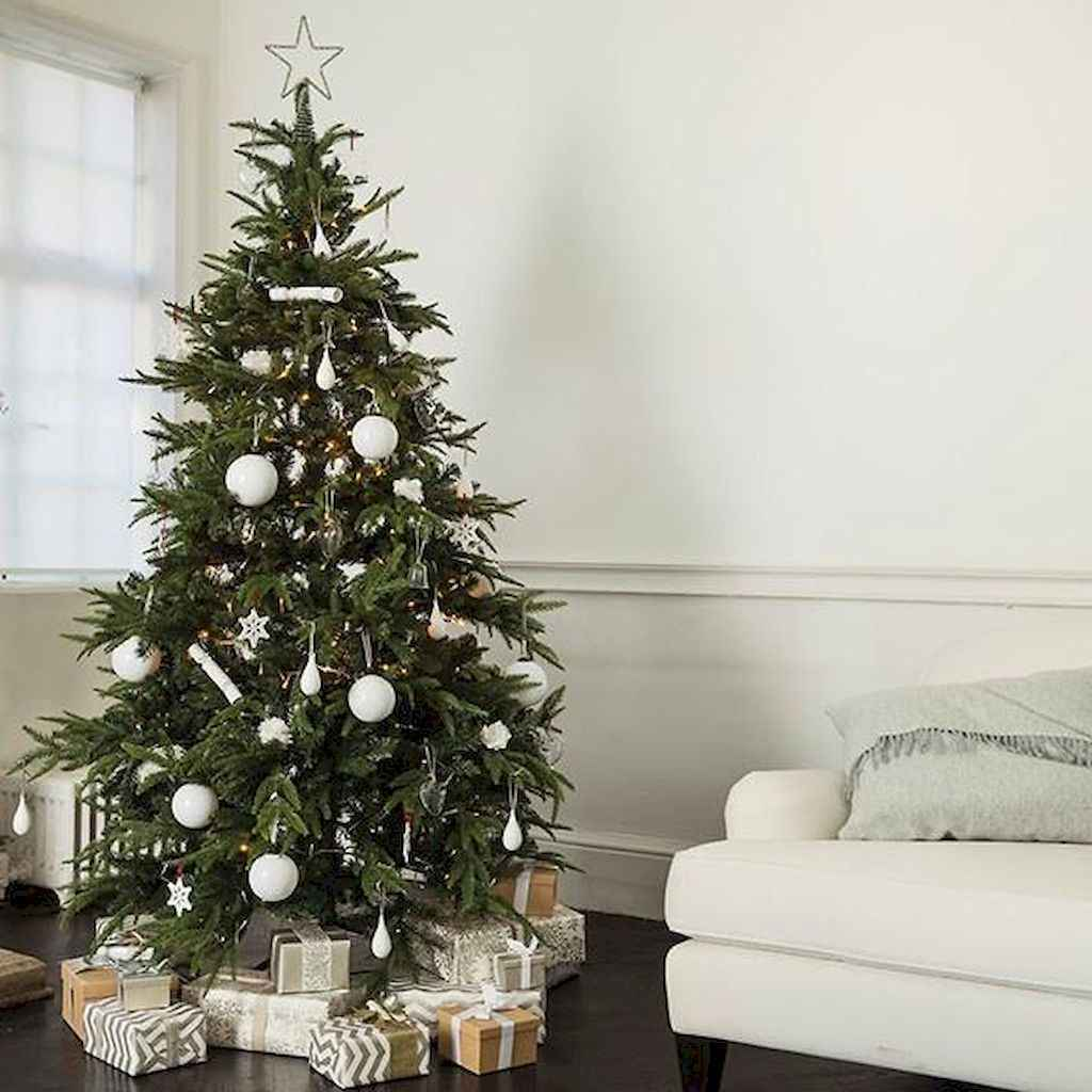 100 beautiful christmas tree decorations ideas (53) - Roomadness.com