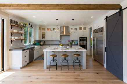 120 awesome farmhouse kitchen design ideas and remodel to inspire your kitchen (125)