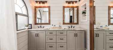 120 best modern farmhouse bathroom design ideas and remodel to inspire your bathroom (61)