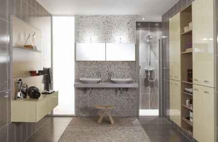 150 stunning farmhouse bathroom tile floor decor ideas and remodel to inspire your bathroom (113)