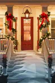 50 beautiful christmas porch decorations ideas and remodel (28)