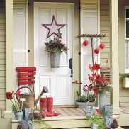 50 beautiful christmas porch decorations ideas and remodel (32)