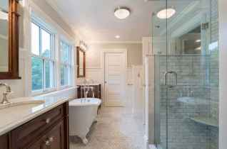 70 inspiring farmhouse bathroom shower decor ideas and remodel to inspire your bathroom (2)