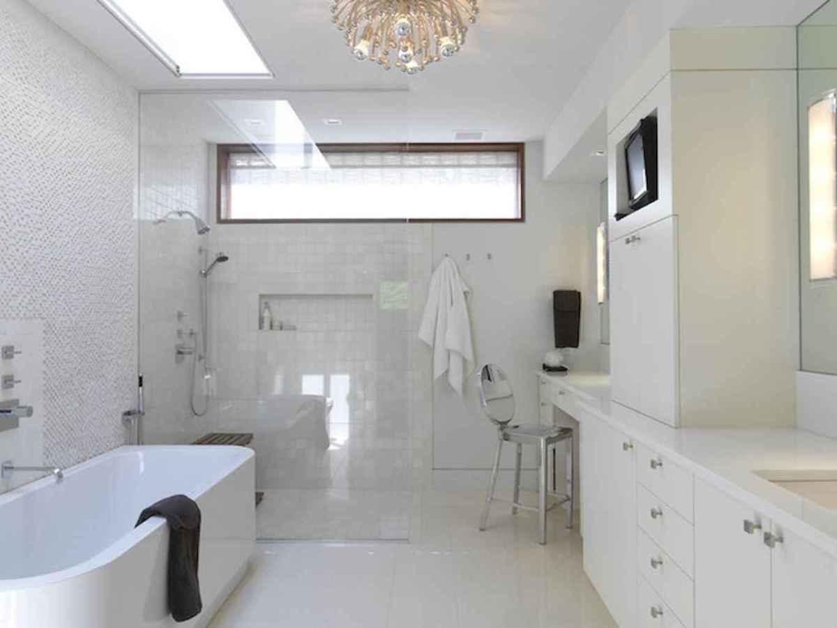 70 inspiring farmhouse bathroom shower decor ideas and remodel to inspire your bathroom (20)