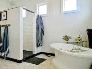 70 inspiring farmhouse bathroom shower decor ideas and remodel to inspire your bathroom (25)