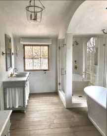 80 awesome farmhouse master bathroom decor ideas and remodel to inspire your bathroom (15)
