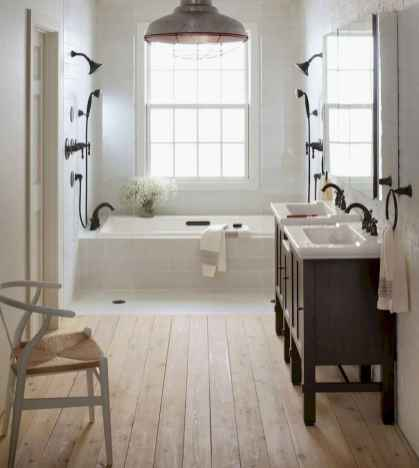 80 awesome farmhouse master bathroom decor ideas and remodel to inspire your bathroom (22)