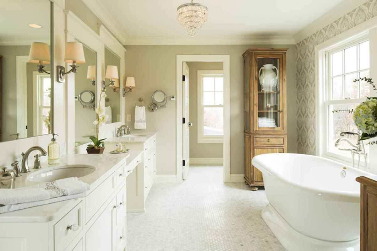 80 awesome farmhouse master bathroom decor ideas and remodel to inspire your bathroom (41)