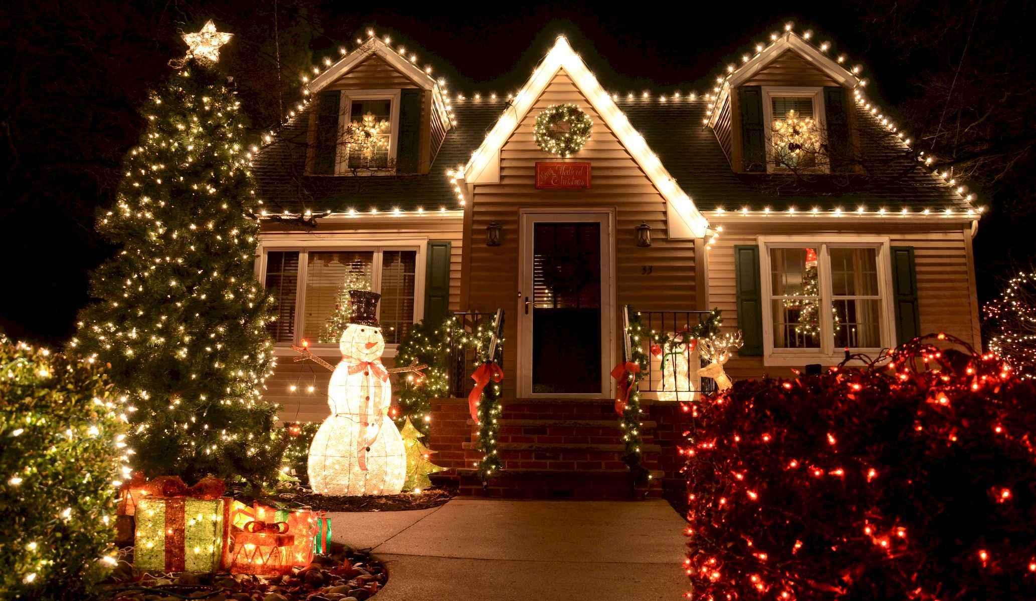 40 amazing outdoor christmas decorations ideas (35)