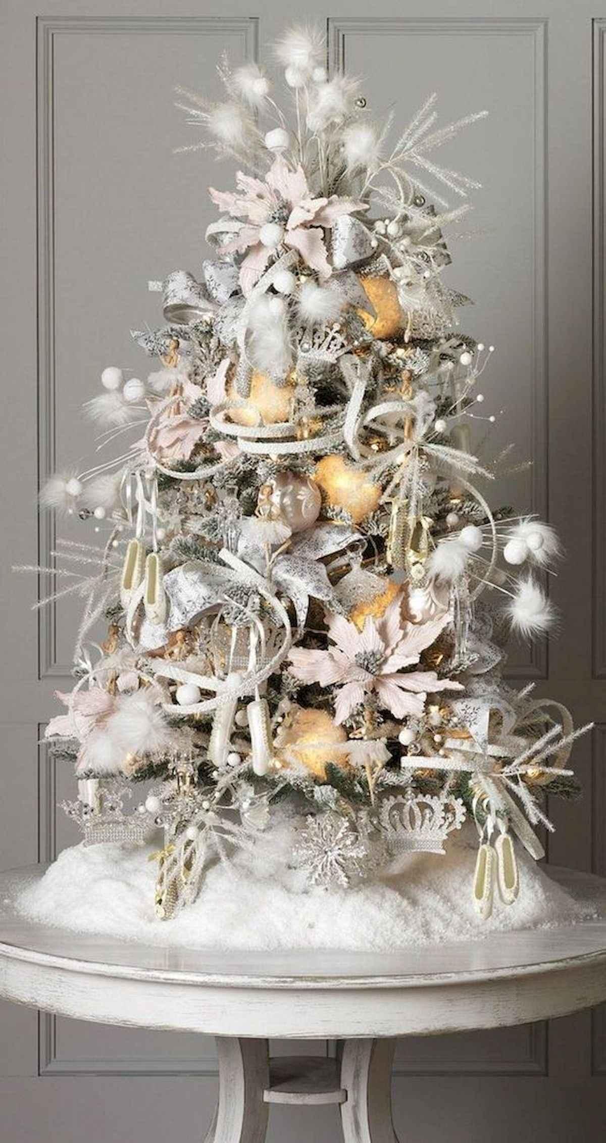 40 elegant christmas tree decorations ideas (38)