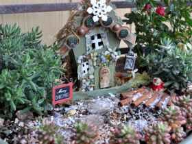 45 beautiful christmas fairy garden ideas decorations (34)
