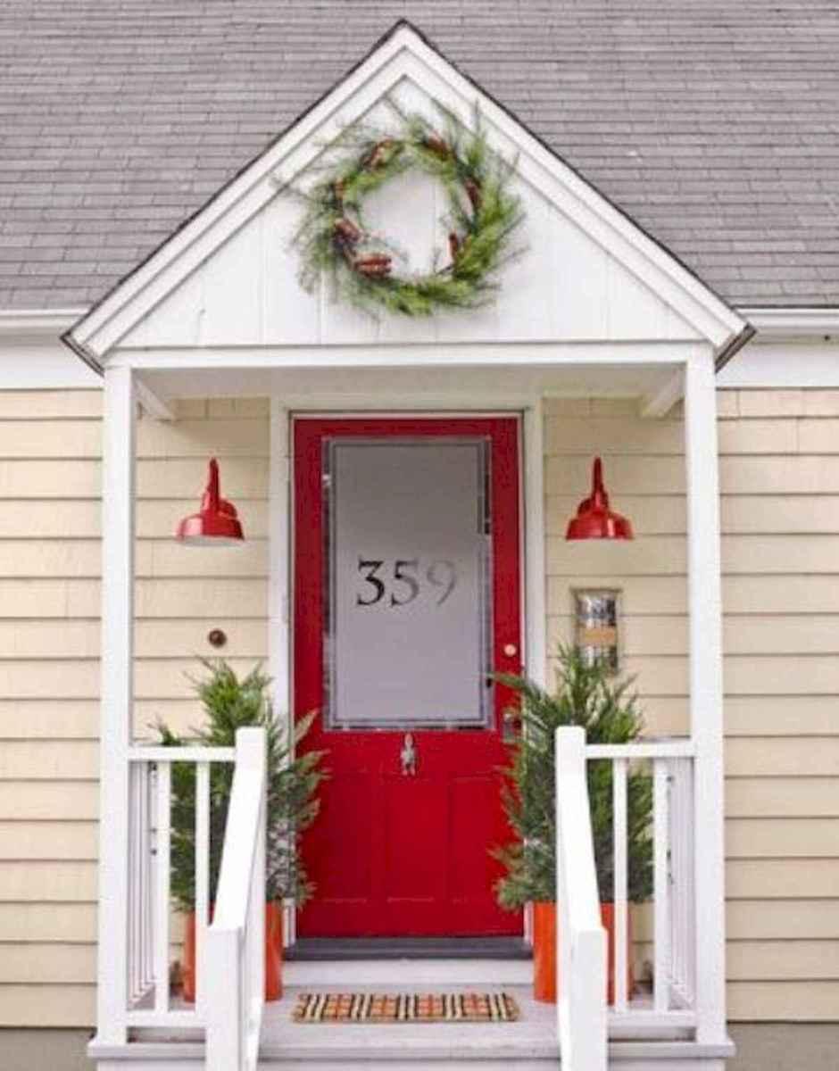 50 front porches farmhouse christmas decorations ideas (29)