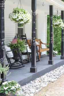 50 front porches farmhouse christmas decorations ideas (34)