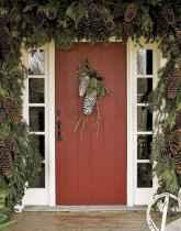 50 front porches farmhouse christmas decorations ideas (40)