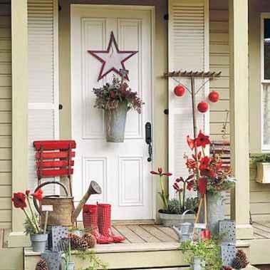 50 front porches farmhouse christmas decorations ideas (41)