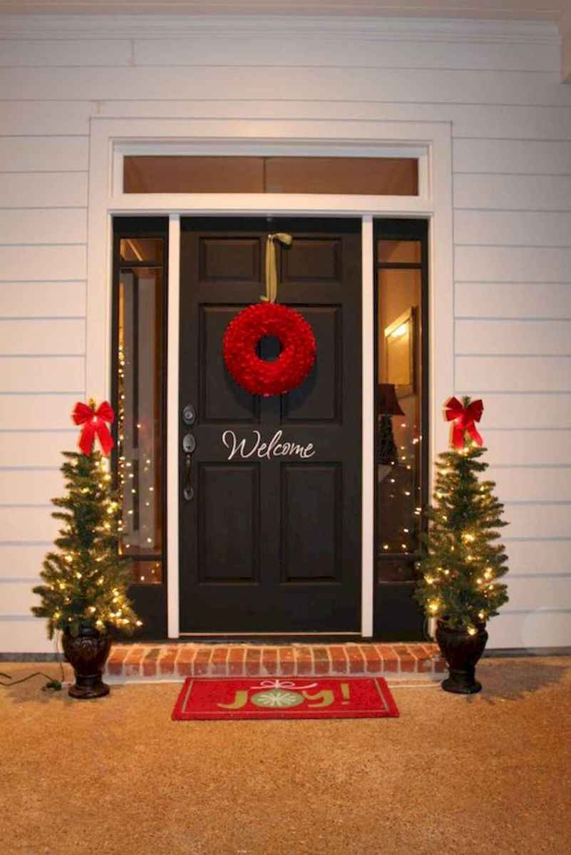 50 stunning front porch christmas lights decorations ideas 23 - How To Decorate My Front Porch For Christmas