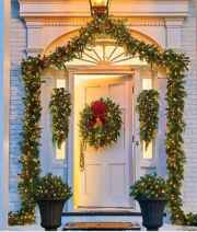 50 stunning front porch christmas lights decorations ideas (24)