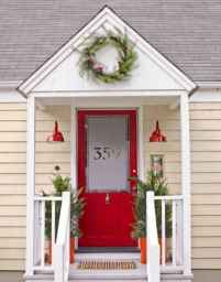 50 stunning front porch christmas lights decorations ideas (33)