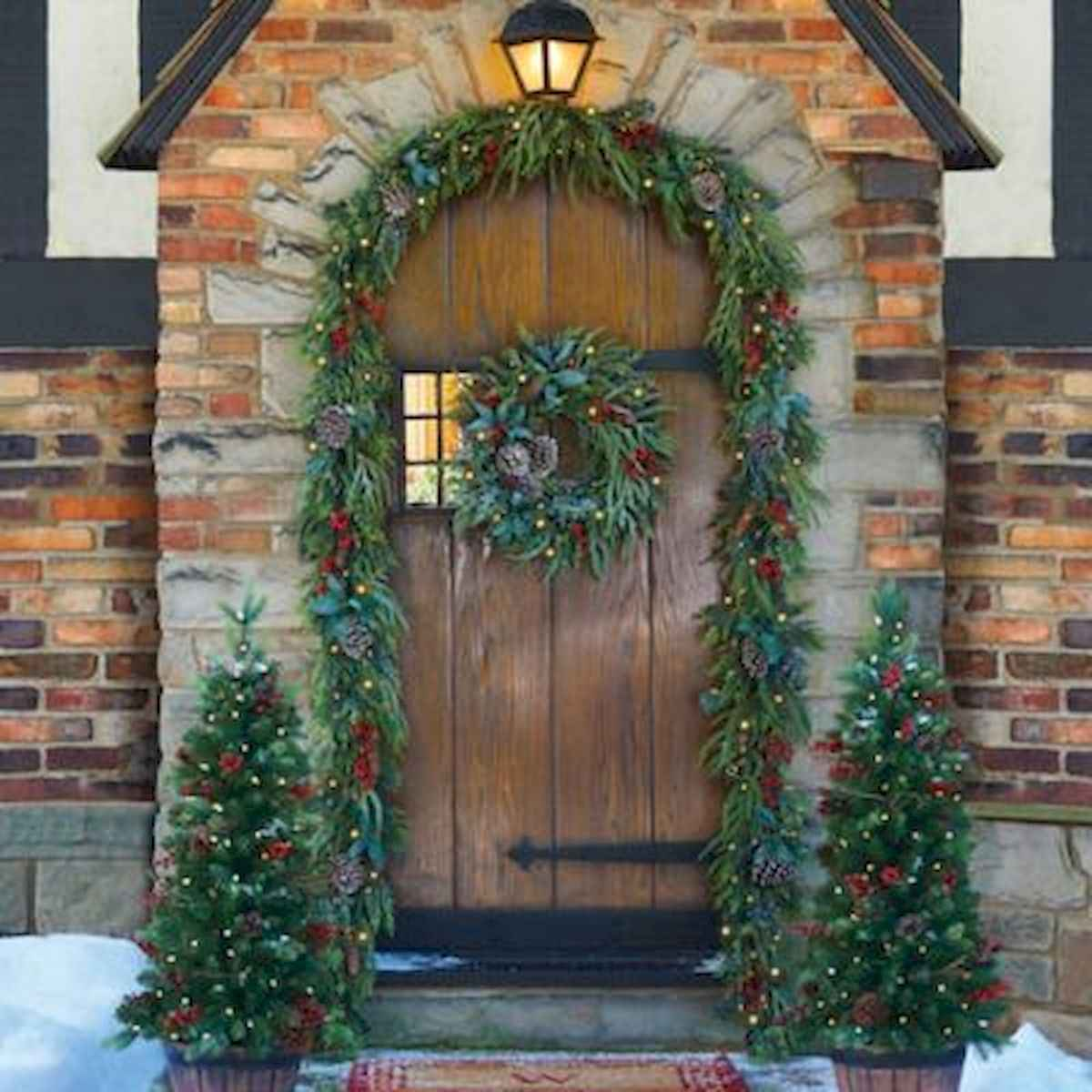 50 stunning front porch christmas lights decorations ideas (4)