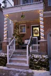 50 stunning front porch christmas lights decorations ideas (45)