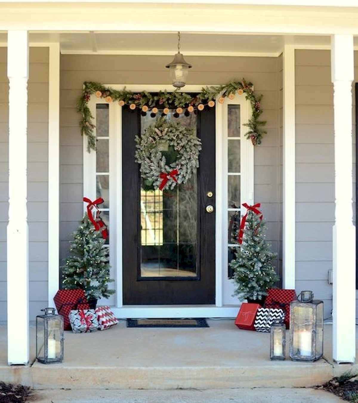 50 stunning front porch christmas lights decorations ideas (6)