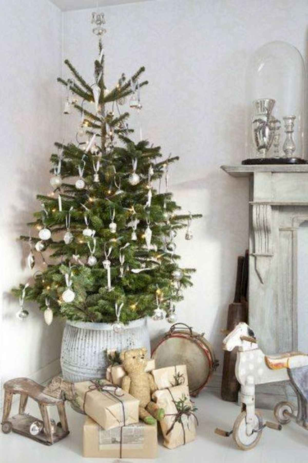 60 awesome christmas tree decorations ideas (12)