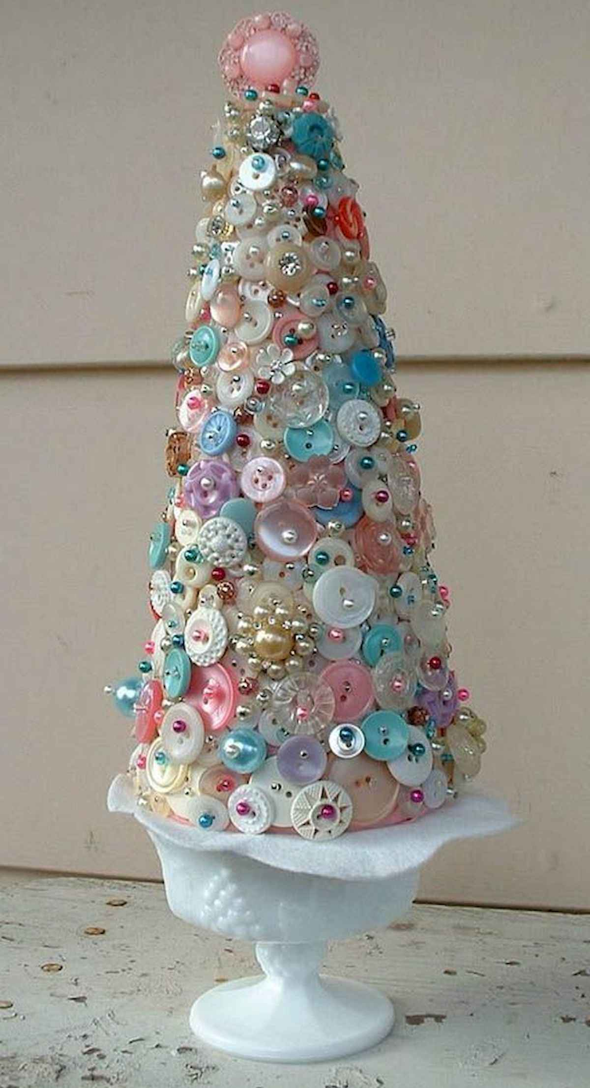 60 awesome christmas tree decorations ideas (22)