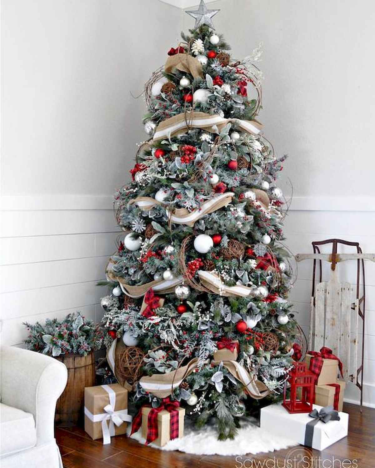 60 awesome christmas tree decorations ideas (23)