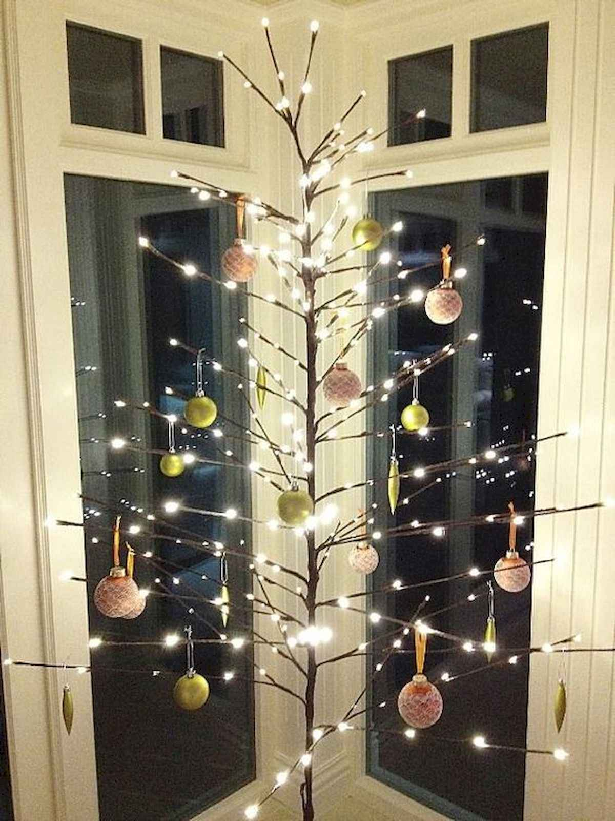 60 awesome christmas tree decorations ideas (35)