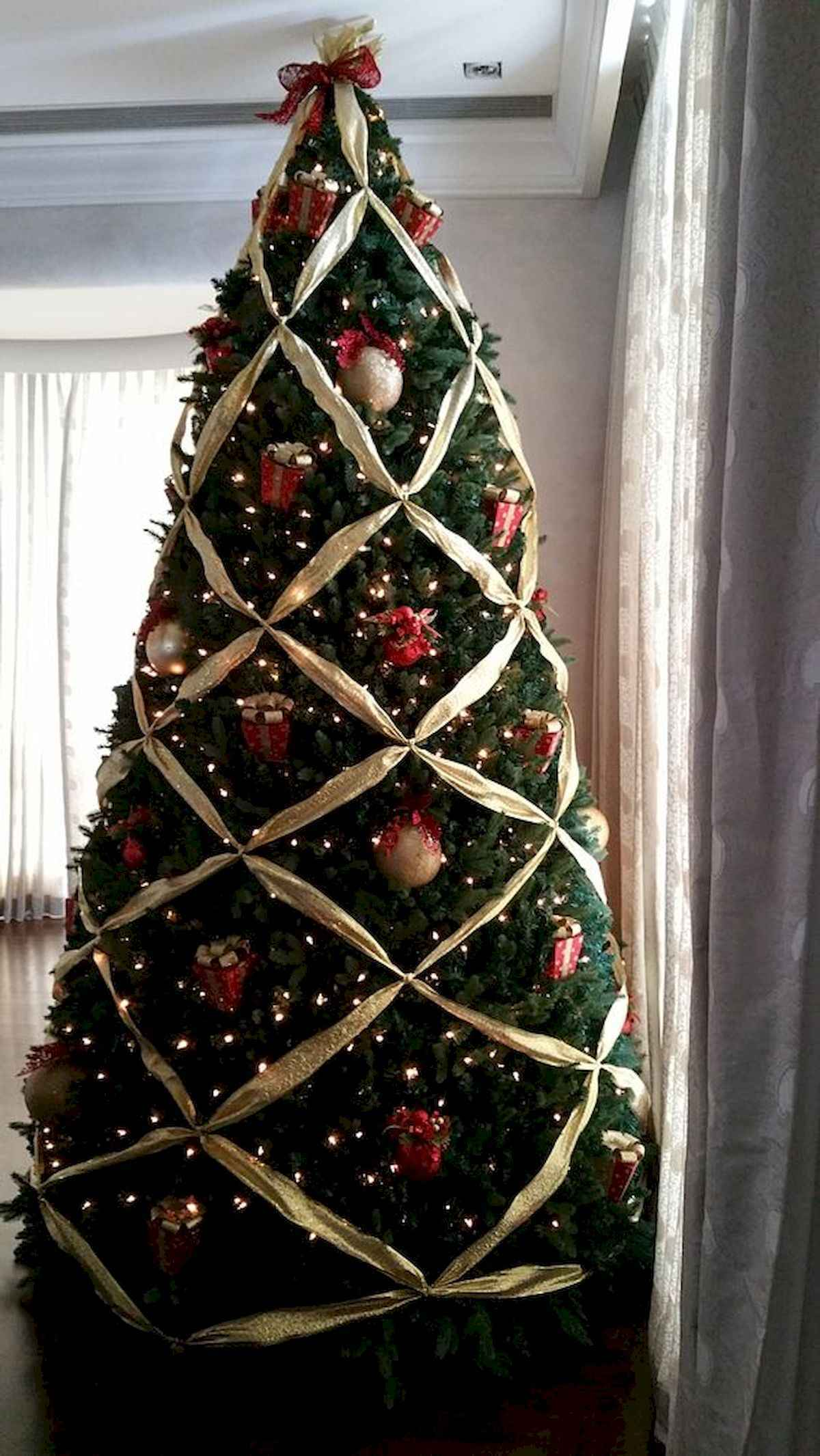 60 awesome christmas tree decorations ideas (36)