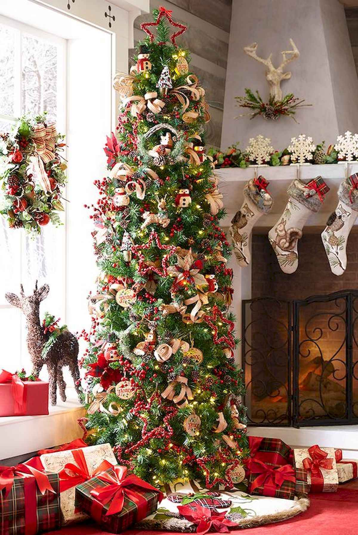 60 awesome christmas tree decorations ideas (48)