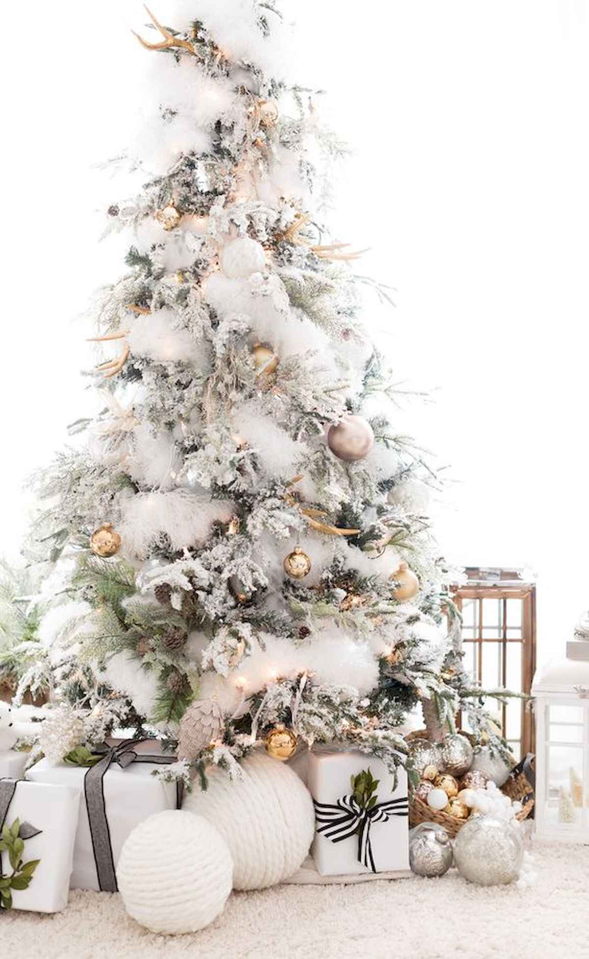 60 awesome christmas tree decorations ideas (6)