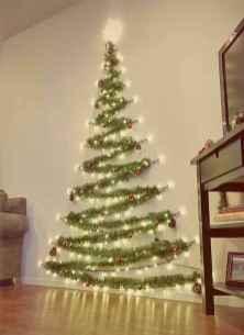 60 simple living room christmas decorations ideas (45)