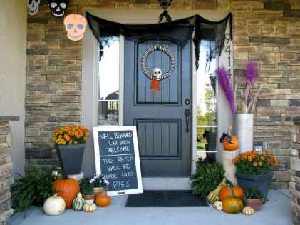 75 awesome helloween home decor ideas (45)