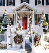 50 christmas front porch decor ideas and remodel (20)