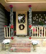 50 christmas front porch decor ideas and remodel (33)