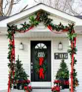 50 christmas front porch decor ideas and remodel (34)