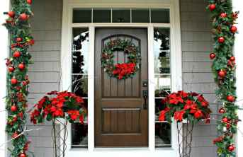 50 christmas front porch decor ideas and remodel (36)