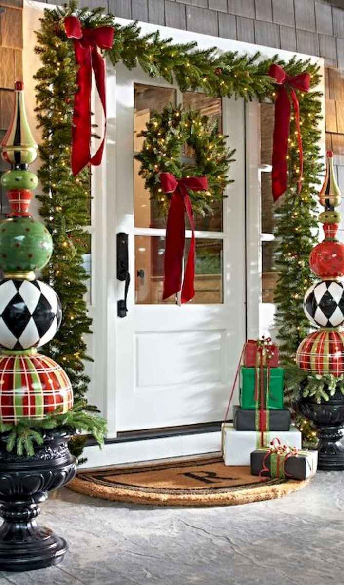 50 stunning christmas front porch decor ideas and design (27)