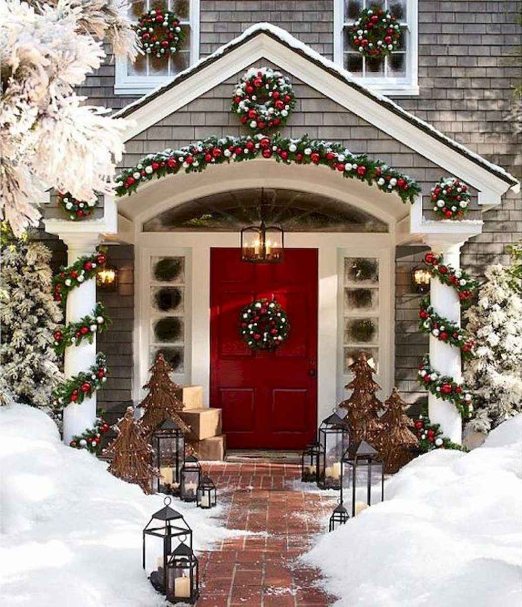 50 stunning christmas front porch decor ideas and design (28)