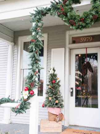 50 stunning christmas front porch decor ideas and design (39)