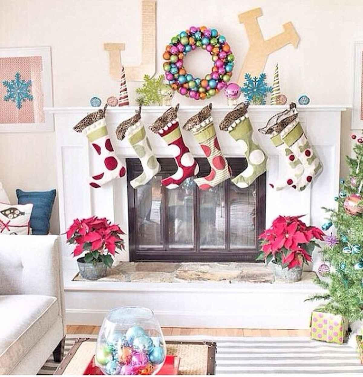 50 Elegant Christmas Mantle Decor Ideas (21)