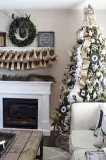 50 elegant christmas mantle decor ideas (35)